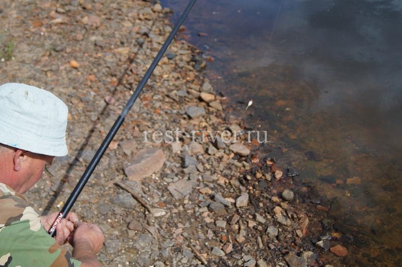оснастка поплавочной удочки для ловли в проводку
