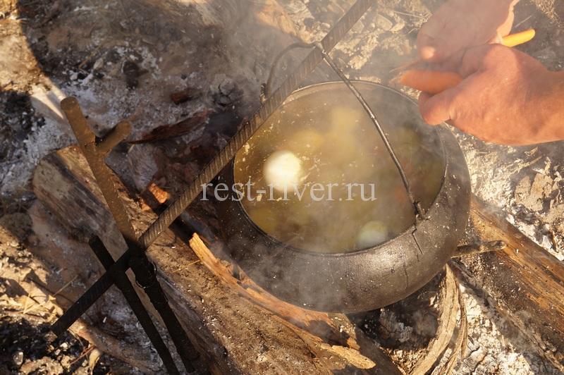 Что приготовить на природе - суп из куриных желудочков с картошкой
