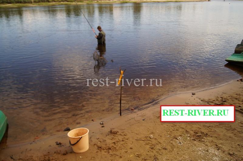 организация места ловли рыбы в проводку на ракушку