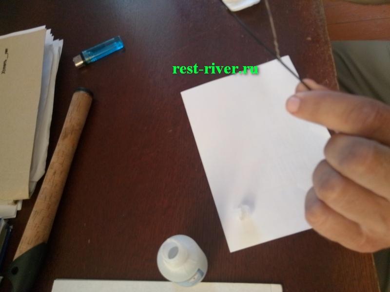ремонт спиннинга - нанесение клея