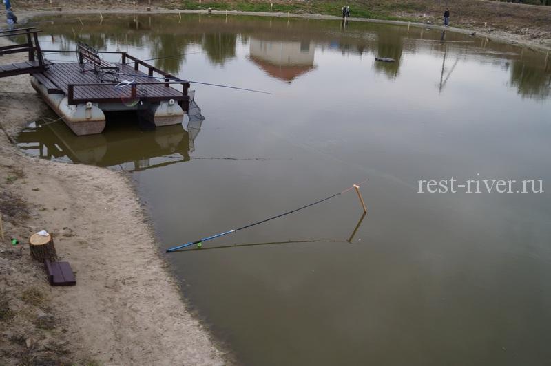 Соревнования по рыбалке на озере