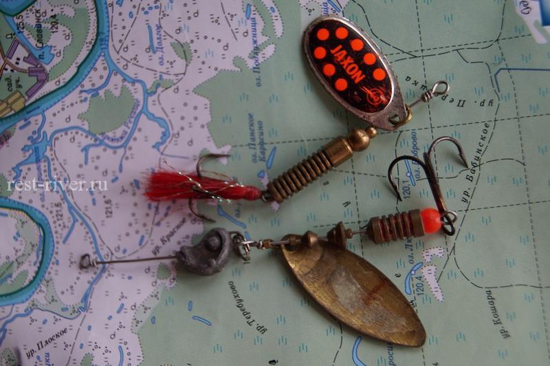блёсны вертушки одна сгрузом-головой одна с красным оперением