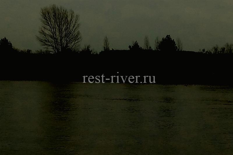 сумерки на реке