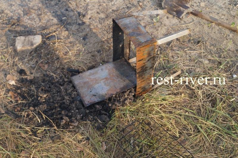 использованный одноразовый мангал