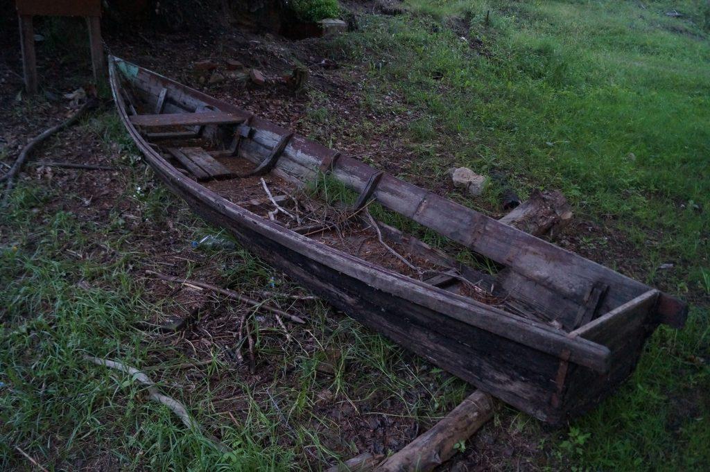 фото старая деревянная лодка