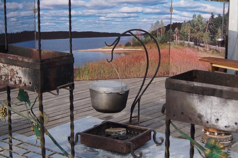 фото суп на костре готовятся в котелке