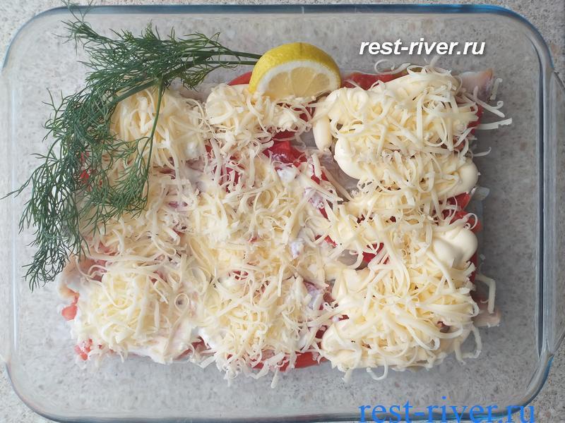 судак с помидорами сыром и майонезом для запекания